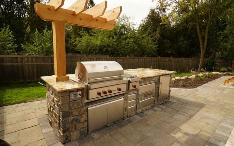Learn all about the Outdoor kitchen countertop maintenance